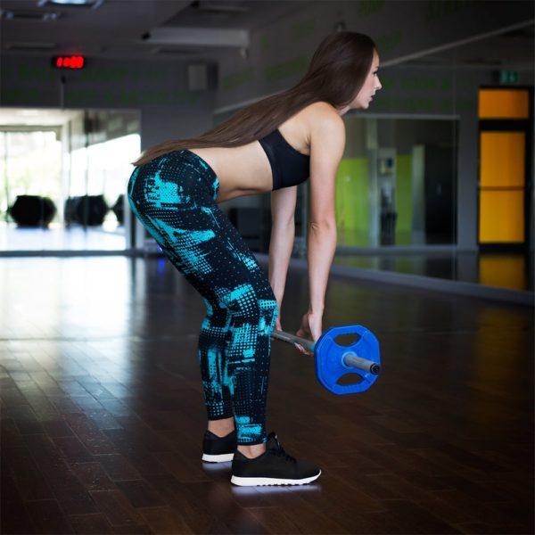 Sesja zdjęciowa w siłowni Calipso w Rzeszowie z udziałem produktów znanych marek sportowych: Adidas, Reebok, New Balance