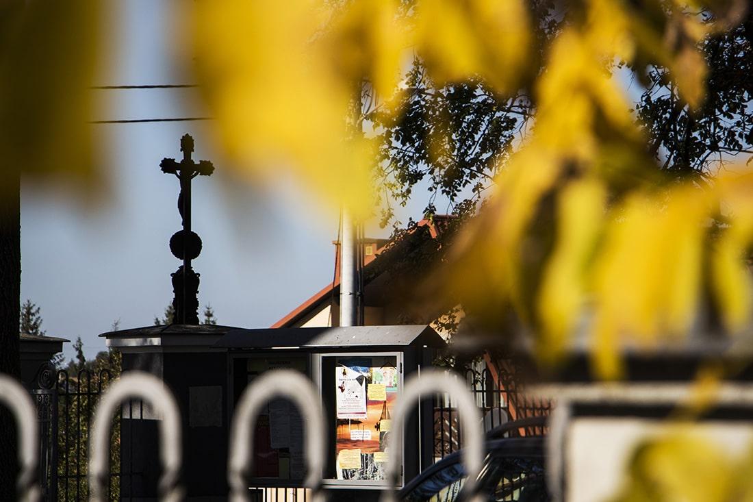 Zaobserwowane ukradkiem - plac kościelny w Tarnogrodzie
