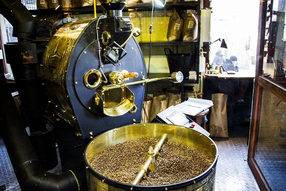 Wypalarnia kawy w Manufakturze Kawy we Lwowie
