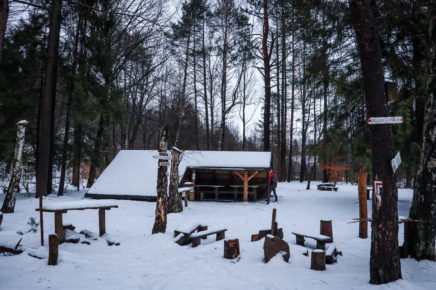 Studencka Baza Namiotowa w Regietowie zima